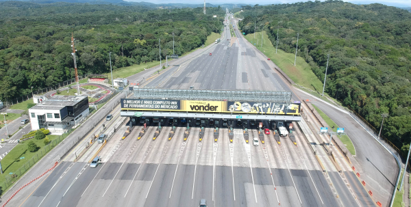 Tarifa do pedágio para as praias do Paraná sobe nesta terça-feira; carros passam a pagar R$ 15,20