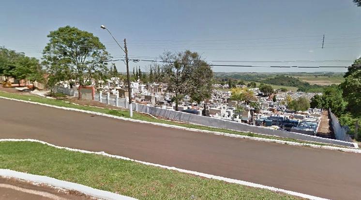 Prefeito é suspeito de participar de venda ilegal de terrenos em cemitério