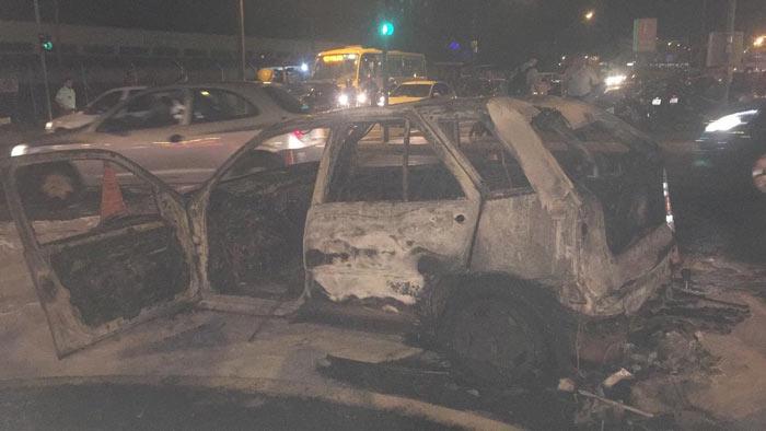 EM FRENTE AO TERMINAL Londrina: carro pega fogo na avenida Leste-Oeste
