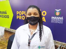 VACINA: Enfermeira do Hospital do Trabalhador é a primeira a ser vacinada no Paraná