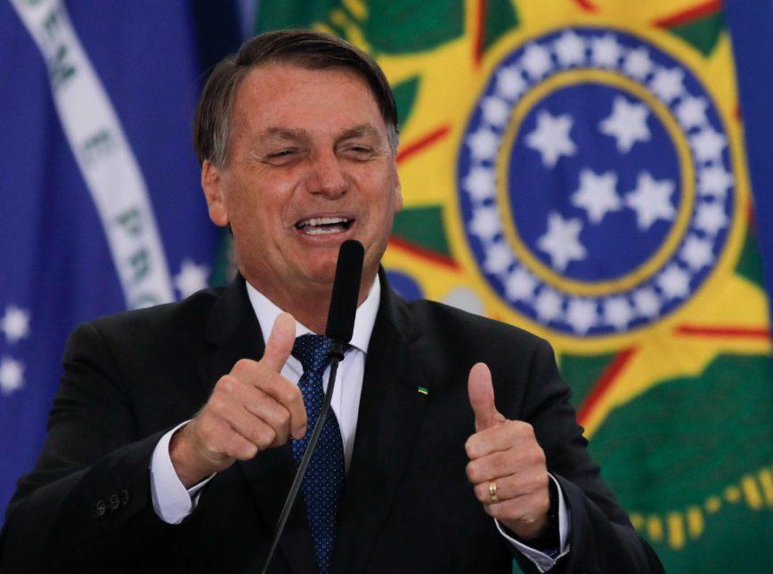 BRASIL: Bolsonaro lidera com folga no 1º turno de 2022 e ganharia de todos no 2º turno