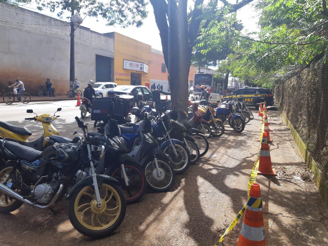 ROLÂNDIA: PRF apreende 30 motocicletas em menos de 4 horas de operação