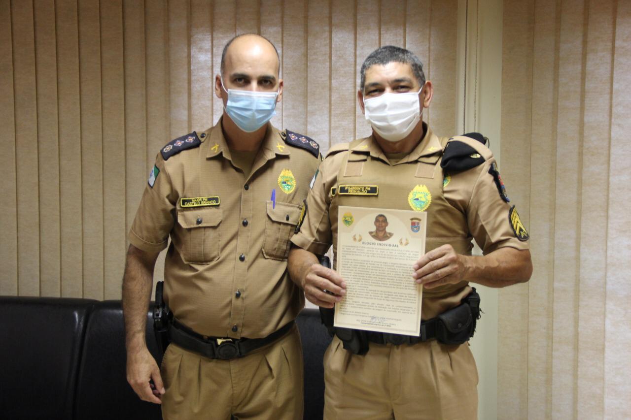 POLICIA MILITAR: 2º BPM homenageia Comandante de Cambará