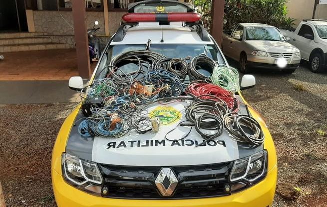 ARAPONGAS: Polícia Militar recupera grande quantidade de fios furtados